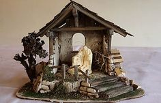 Christmas Grotto Ideas, Christmas Decorations, Design 24, Modern Design, Nativity Stable, Christmas Nativity, Stables, Bird Houses, Wood Art