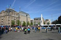 9 best pleins plus description Dam Square, Amsterdam Things To Do In, City Break, Places Ive Been, Past, Street View, Spaces, Travel, Past Tense