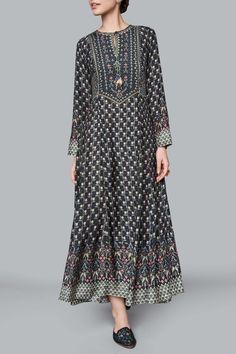 Wedding Dresses Online -Buy Designer Clothes for Women : Tusharika Tunic Indian Wedding Outfits, Indian Outfits, Wedding Dresses, Kurta Designs Women, Indian Attire, Mode Vintage, Indian Designer Wear, Indian Dresses, Dress Patterns