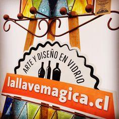 Aquí estamos hoy, último día, en Playa Amarilla, hasta las 21:00 hrs. #concon #artesania #vidrio #hechoamano Canning, Yellow Girl Nurseries, Glass Bottles, Recycling, Atelier, Studio, Beach, Hand Made, Home Canning