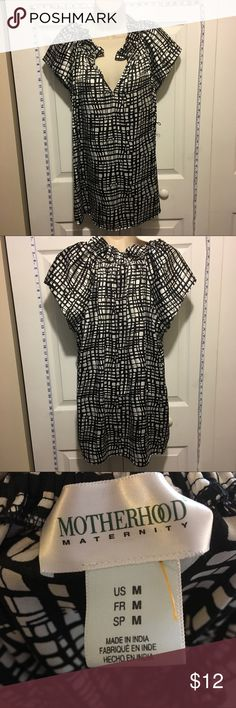 30% Off Bundles Motherhood Maternity Black & white Satin-like feel to the top! Great condition. No marks or stains. Add three more items to your bundle for 30% off. Motherhood Maternity Tops Blouses