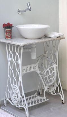 DIY: mesa com pé de máquina de costura - chocolatesemcalorias