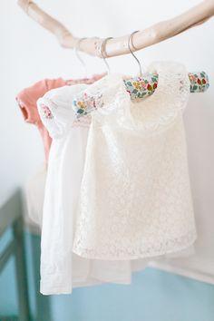 Vintage Baby Girl's Room with Soft Tones Vintage Baby Clothes, Vintage Girls, Girl Dresser, Blog Bebe, Madame C, Baby Room Diy, Baby Bedroom, Diy Baby, Baby Clothes Storage