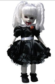 these are the promo shots of the Living Dead Dolls Children of the Night variant edition. Stakes in their hearts and one new girl that glows in the dark! Scary Dolls, Zombie Dolls, Horror Party, Halloween Doll, Spooky Halloween, Living Dead Dolls, Gothic Dolls, Doll Parts, Monster High Dolls