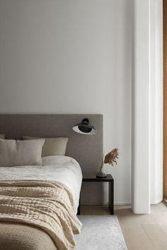 Home Interior Salas .Home Interior Salas Serene Bedroom, White Bedroom, Elegant Home Decor, Elegant Homes, Minimalist Bedroom, Minimalist Home, Apartment Complexes, Home Interior, Interior Livingroom