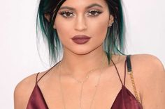 How To Wear Marsala, Pantone's 2015 Colour of the Year. Take it as a sign: '90s beauty is back.