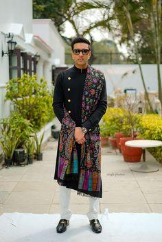 Sherwani For Men Wedding, Wedding Dresses Men Indian, Sherwani Groom, Wedding Dress Men, Men's Wedding Wear, Wedding Outfits For Men, Mens Wedding Wear Indian, Punjabi Wedding, Tuxedos