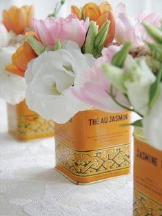 latas de chá como vasos