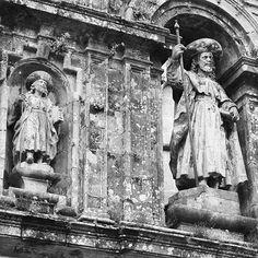 Santiago Apóstol en la Catedral de Compostela. Puerta Santa. http://ift.tt/2BHFmiA