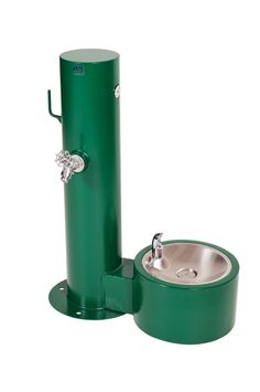 Standard Dog Watering Station in Fairway Green. Customize with colors or add on's! All stainless steel manufacturing so it's resistant to rust & corrosion! Dog Fountain, Drinking Fountain, Dog Fort, Stainless Steel Manufacturing, Dog Spaces, Dog Wash, All Stainless Steel, Parking Design, Dog Feeding