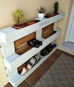 Ideas Pallet diy easy pallet shoe rack, diy, pallet, storage ideas - We built a custom DIY shoe rack for our garage. It's made from plywood and poplar using brad nails and pocket screws. The finish coat is just a basic semi-gloss… Build A Shoe Rack, Diy Shoe Rack, Shoe Racks, Shoe Rack Pallet, How To Make Shoe Rack From Pallets, Shoe Storage Made From Pallets, Shoe Rack For Porch, Shoe Storage At Front Door, Shoe Rack Out Of Pallets