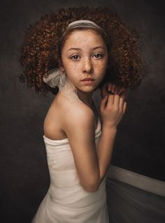 2017 WPPI - Wedding and Portrait Photographers International First Half CompetitionNew and Emerging Photographers to Watch Art Photography Portrait, Portrait Poses, Studio Portraits, Photography Women, Children Photography, Portrait Photographers, Child Portraits, Kreative Portraits, Fine Art Photo