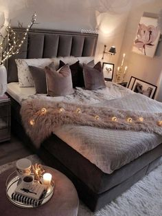 Bedroom Photos, Room Ideas Bedroom, Small Room Bedroom, Bedroom Decor, Glam Bedroom, Beautiful Bedroom Designs, Girl Bedroom Designs, Beautiful Bedrooms, Aesthetic Bedroom