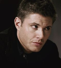 Supernatural Series, Crowley Supernatural, Supernatural Wallpaper, Jensen Ackles Gif, Jensen Ackels, Jared And Jensen, Dean Winchester Imagines, Dean Gif, Sams Hair