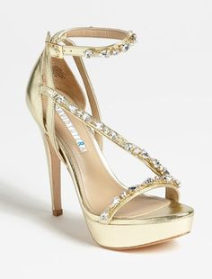 Pretty!  @Nordstrom  http://rstyle.me/n/fnfu3nyg6