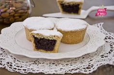 Bocconotti abruzzesi Italian Bakery, Italian Desserts, Mini Desserts, Italian Recipes, Dessert Recipes, Biscuits, Plum Cake, Biscuit Cookies, Sweet Cakes