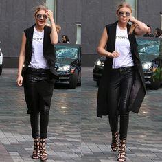 #mulpix A lot of love for this edgy outfit on Gigi Hadid ❤️  #gigihadid  #model  #models  #modelstyle  #offduty  #modeloffduty  #style  #fashion  #chic  #edgy  #reflectiveshades  #mirroredshades  #fashionblogger  #styleblogger  #sgblogger  #tinseltownstyle  #itgirl  #styleicon  #fashionicon  #stylemuse  #starstyle  #streetstyle  #streetchic  #streetlooks  #streetfashion