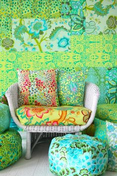 Green & turquoise - Amy Butler Lovely, but is it a bit much? Do It Yourself Design, Amy Butler Fabric, Green Turquoise, Boho Green, Decoration, Color Inspiration, Favorite Color, Sweet Home, House Design