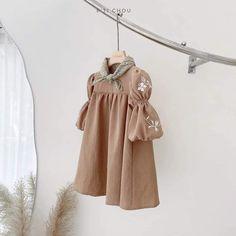 Girl Fashion Style, Girls Fashion Clothes, Kids Fashion, Girl Outfits, Kids Summer Dresses, Stylish Dresses For Girls, Little Girl Dresses, Mode Rose, Baby Kimono