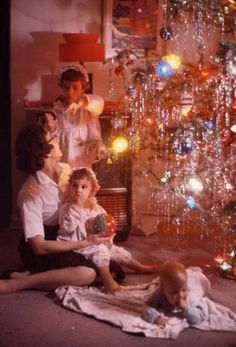 Google Image Result for http://www.shorpy.com/files/images/xmas-tree.preview.jpg