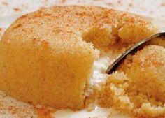 Ο χαλβάς είναι ένα κλασικό σπιτικό, γρήγορο και εύκολο γλυκό για όλες τις ώρες και ιδιαίτερα αγαπητό την περίοδο της νηστείας. ΥΛΙΚΑ 1 κούπα ελαιόλαδο 1½ κούπα μέλι 2 κούπες σιμιγδάλι (χοντρό) 4 κούπες νερό 100 γρ. αμύγδαλα ή καρύδια κανέλλα τριμμένη ξύσμα από πορτοκάλι ή λεμόνι ΕΚΤΕΛΕΣΗ Σε μια κατσαρόλα βάζουμε το νερό και … Greek Recipes, Vegan Recipes, Cooking Recipes, Greek Sweets, Healthy Desserts, Cornbread, Sweet Tooth, Food And Drink, Breakfast