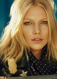 Aline-Weber-Modern-Weekly-China-2015-Cover-Editorial04