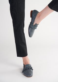 Leather Design, Vegetable Tanned Leather, Blue Denim, Loafers, Victoria, Sneakers, How To Wear, Outfits, Shoes