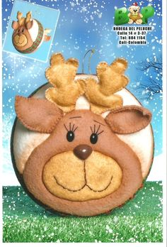 Que hermosos trabajos en patchwork Christmas Clay, Christmas Baubles, Christmas Tree Decorations, Christmas Crafts, Stuffed Animal Patterns, Winter Holidays, Felt Crafts, Needle Felting, Decoupage