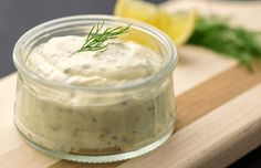 Ranch Sos How would you like to make ranch sauce at home, which is a favorite of many of us recently, which suits fries, burgers and sandwiches? Easy Tartar Sauce, Homemade Tartar Sauce, Fish And Chips Rezept, Salsa Ranchera, Aioli, Food Allergies, Sauce Recipes, Food And Drink, Ethnic Recipes