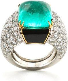 Couture - Ring - Sugarloaf cabochon emerald, brilliant-cut diamonds, black enamel, 18K white gold, and platinum