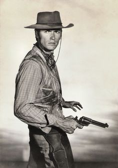 Clint Eastwood in RAWHIDE (1959-1966), in a British postcard photographed by Reisfeld/UFA
