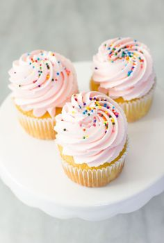 COTTON CANDY FROSTING RECIPE | Best Friends For Frosting