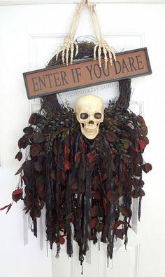 Spooky Skull Wreath - love the sign