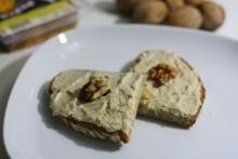 uzená tofu pomazánka | Soucitně