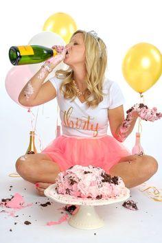 New Birthday Photoshoot Cake Smash 70 Ideas Adult Birthday Party, Birthday Cake Smash, 30th Birthday Parties, Birthday Woman, 30th Birthday Ideas For Women, Adult Cake Smash, Champagne Birthday, Birthday Photography, Happy Photography