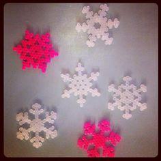 Hama perler snowflakes by carinagam