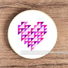 PDF counted cross stitch pattern - Modern cross stitch - Purple geometric heart