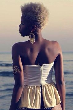 4 Fierce Ways To Spruce Up Your Tiny-Winy Afro! Divas, Tapered Natural Hair, Tapered Twa, Curly Hair Styles, Natural Hair Styles, Natural Hair Journey, Natural Life, Natural Beauty, Natural Hair Inspiration