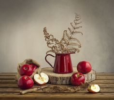 Red Still life by Belén Argüeso Castelos on 500px