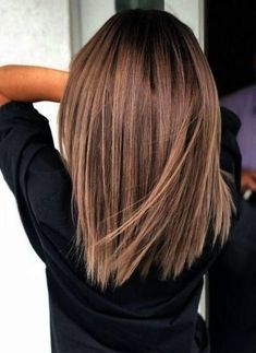 Hair Color Ideas for Short Hair Brunettes – Hair Color Ideas for Short Hair Brunettes – color Informations About Haarfarbe Ideen für kurze Haare Brunettes … Cute Medium Length Haircuts, Medium Hair Cuts, Medium Hair Styles, Short Hair Styles, Haircut Medium, Plait Styles, Medium Haircuts For Women, Hair Cuts Thick Hair, Brown Hair Medium Length