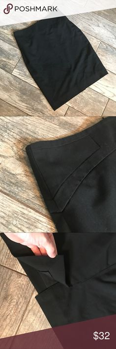 🌿NEW🌿 Limited Pencil Skirt - Black Excellent condition! Soooo flattering on! Size Double Zero. Fully lined. Zips in back with small slit in the middle. Has only been dry cleaned. Will be lent-rolled and shipped carefully. The Limited Skirts Pencil