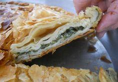 Ispanaklı börek  Üsküp'e özgü elde açılan bir börek türüdür. Tek tek hamurlar elde açılır ancak sadece ıspanaklı değil, peynirli, patatesli, kıymalı, soğanlı vs. bir çok çeşidi yapılır.