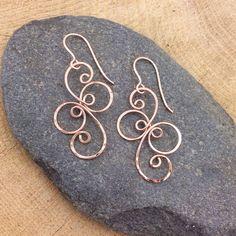 Rose Gold Filled Fancy Spiral Earrings by EarthstarStudioArt Handmade Wire Jewelry, Copper Jewelry, Beaded Jewelry, Jewellery, Wire Wrapped Earrings, Wire Earrings, Or Rose, Rose Gold, Bijoux Diy