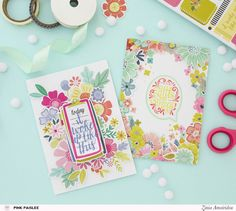 Turning flat stickers into dimensional clusters to create colorful floral cards. @pinkpaislee @abstractinspiration #pinkpaislee #abstractinspiration #ziniaamoiridou #ppturnthepage #stickerbook #cards #cardmaking