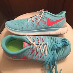 Nike 5.0 Free's Super comfortable, comes with shoe insert. They're a kids 6.5 women's 8.5 but fit more like 7! I normally wear a 8 and these are snug. Comes with white shoe laces that are stretchy. Makes for an easy on and off! Also will come with original laces which are the baby blue.                                                                  Definitely willing to trade with Nike Free's Nike Shoes