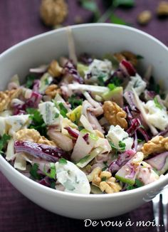 : Red Cabbage Salad, Fennel, Green Apple and Gorgonzola - recette divers - Raw Food Recipes Easy Salads, Healthy Salad Recipes, Raw Food Recipes, Vegetarian Recipes, Cooking Recipes, Healthy Menu, Healthy Cooking, Red Cabbage Salad, Food Reviews