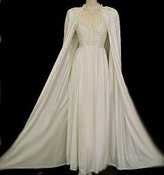 Vintage Olga Nightgown & Peignoir in Moondust #olga #nightgown #bridal #lingerie