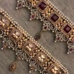 Our extremely popular and high in demand REEMAL CHOKER SET can be customised in your choice of colours. Order online www.rangposh.co.uk Pakistani Jewelry, Indian Jewelry, Bridesmaid Jewelry, Wedding Jewelry, Gold Jewelry Simple, Jewelry Design Earrings, Jewellery Sketches, Jewelry Patterns, Jewelery