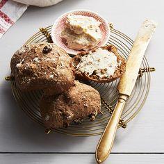 Kalljästa vörtfrallor | Recept ICA.se English Food, Christmas Baking, Bread Baking, Muffin, Candy, Snacks, Eat, Breakfast, Desserts