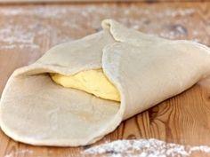 Foitaj (aluat frantuzesc) de baza a fost adaugata pe Bucatarie Traditionala Retete Culinare. Click pe poza pentru a vedea reteta.
